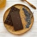 Молочный шоколад на меду с лавандой